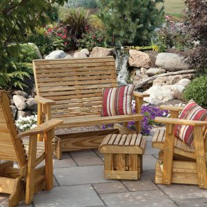 The Difference Between Brazilian Cherry Wood and Teak for Outdoor Furniture